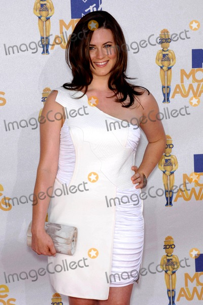 Katie Featherston Photo - Katie Featherston During the 2010 Mtv Movie Awards Held at the Gibson Amphitheatre on June 6 2010 in Los Angeles Photo Michael Germana - Globe Photos Inc 2010
