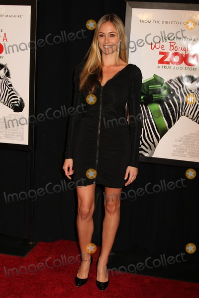 Elizabeth Masucci Photo - We Bought a Zoo Premiere the Ziegfeld Theater NYC December 12 2011 Photos by Sonia Moskowitz Globe Photos Inc 2011 Elizabeth Masucci
