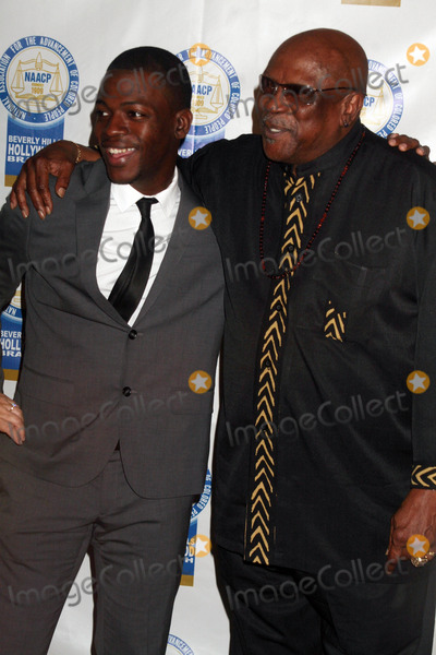 Louis Gossett Jr Photo - the 19th Annual Beverly Hillshollywood Naacp Theatre Awards Directors Guild of America Hollywood CA 083109 Cedric Sanders and Louis Gossett Jr Photo Clinton H Wallace-photomundo-Globe Photos Inc 2009