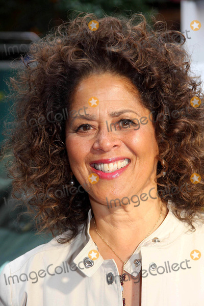 Anna  DEAVERE Smith Photo - World Premiere of Nurse Jackie Dga Theater New York City 06-02-2009 Photo by Barry Talesnick-ipol-Globe Photos Anna Deavere Smith