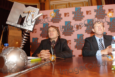 Antonio Campos Photo - K4530420050927 LISBON PORTUGAL   Six weeks before the MTV Europe Music Awards nominees for 2005 edition of MTV Europe Awards are announced  In picture Antonio Campo Dell Orto (MTV Networks Europe Managing Director) Carmona Rodrigues (Lisbon Mayor) PHOTO ALVARO ISIDORO-CITYFILES-GLOBE PHOTOS