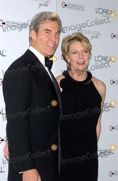 Cathleen Black Photo - the 2nd Annual Legends Gala Presented by Loreal Paris and Ovarian Cancer Research Fund at the Metropolitan Pavillion and Altman Building in New York City on November 4 2004 Photo by Ken BabolcsayipolGlobe Photos Inc 2004 Cathleen Black
