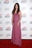 Alice Englert Photo 5