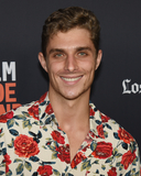 Alex Cubis Photo 5
