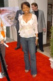 Angela Basset Photo 5