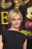 Amber Valletta Photo 5