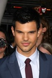 Taylor Lautner Photo 5