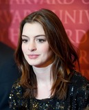 Anne Hathaway Photo 5