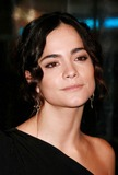 Alice Braga Photo 5