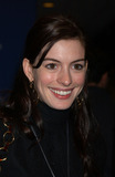 Ann Hathaway Photo 5