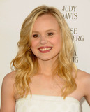 Alison Pill Photo 5