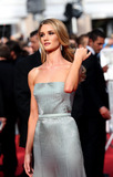 Rosie Huntington Photo 5