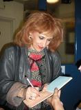 Anita Dobson Photo 5