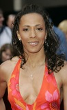 Kelly Holmes Photo 5