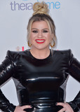 Kelly Clarkson Photo - HOLLYWOOD LOS ANGELES CALIFORNIA USA - FEBRUARY 06 Singer Kelly Clarkson arrives at the 2020 Hollywood Beauty Awards held at the Taglyan Complex on February 6 2020 in Hollywood Los Angeles California United States (Photo by Image Press Agency)