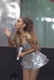 Ariana Grande Photo 5