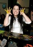 Amy Lee Photo 5