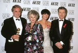 Amanda Donahue Photo - 1993 Golden Globe Awards Maximilian Schell_tom Skerritt_joan Plowright_amanda Donahue Photo by Michael Ferguson-Globe Photosinc